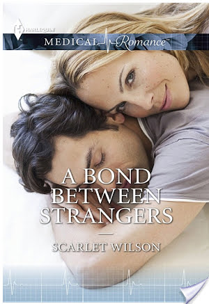 Guest Review: A Bond Between Strangers by Scarlet Wilson