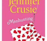 Review: Manhunting by Jennifer Crusie